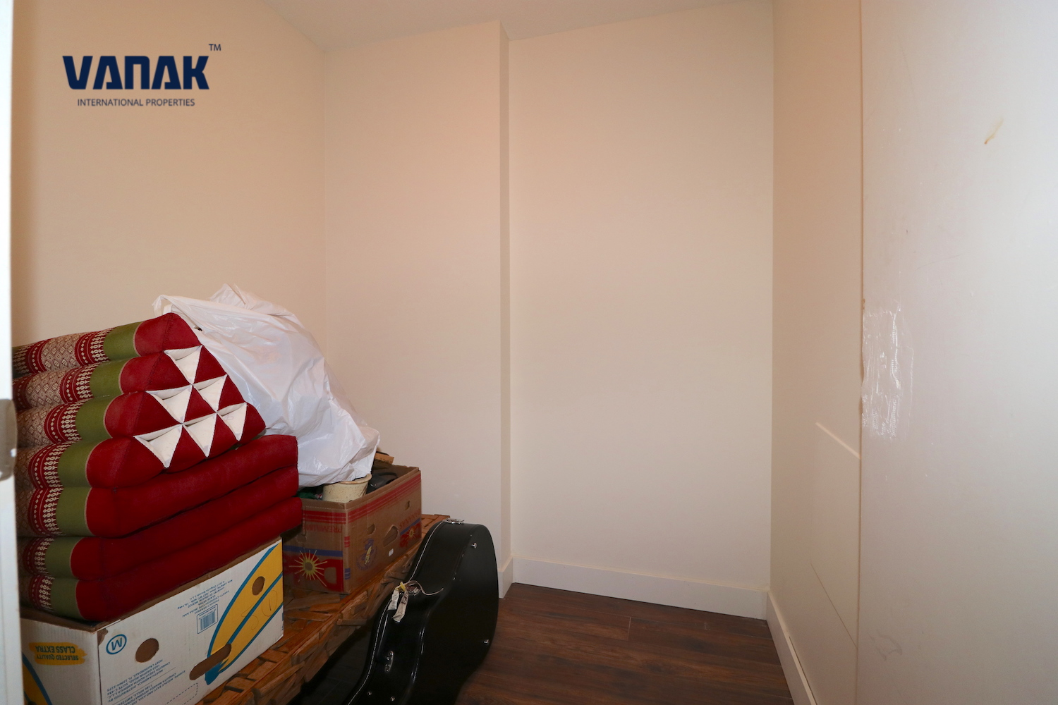Taylor Street 555,Vancouver,BC,Canada,1 Bedroom Bedrooms,1 BathroomBathrooms,Apartment,The Taylor,555,16,1283