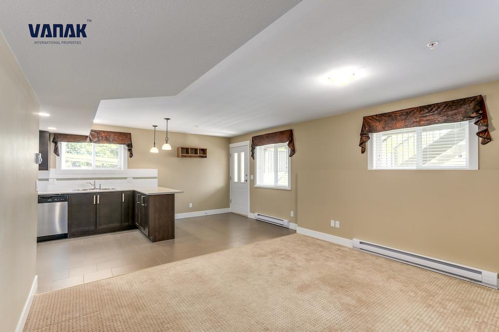 Maple Ridge,BC,Canada,2 Bedrooms Bedrooms,1 BathroomBathrooms,Apartment,1297