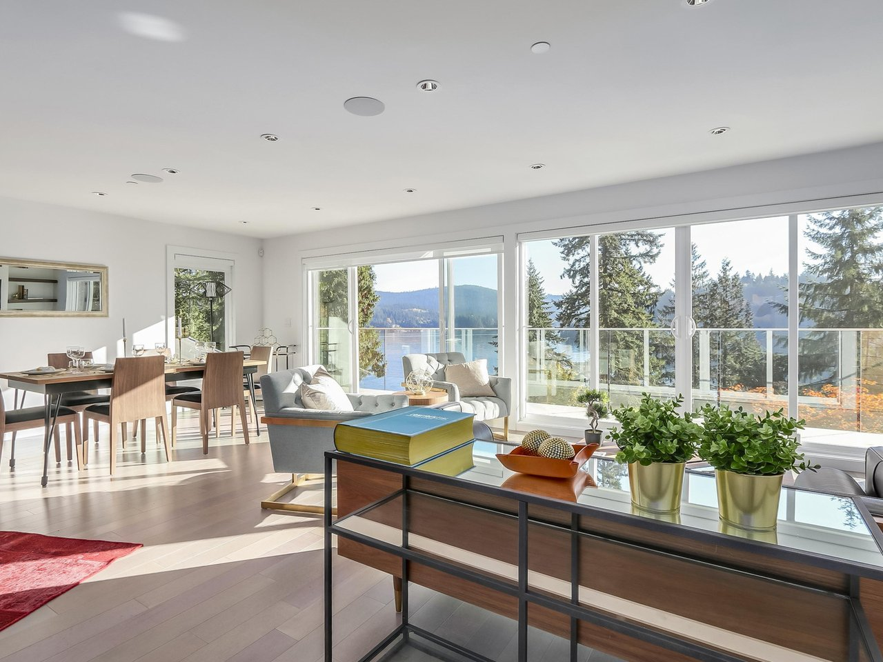 2867 Panorama,North Vancouver,BC,Canada V7G 1V7,4 Bedrooms Bedrooms,3 BathroomsBathrooms,Single Family House,Panorama Villa,Panorama ,4,1325