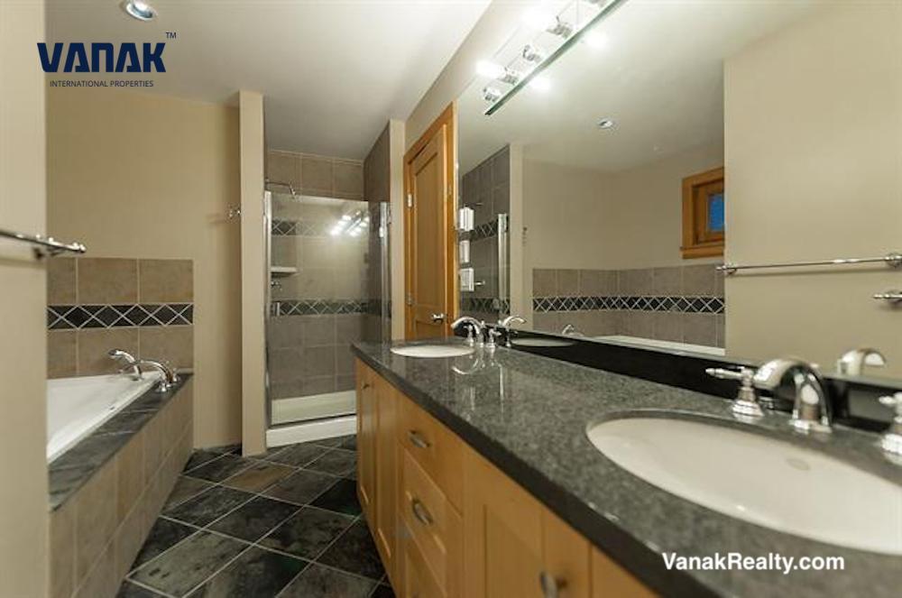 1035 Crestline,West Vancouver,BC,Canada,6 Bedrooms Bedrooms,4 BathroomsBathrooms,Single Family House,Crestline ,1374