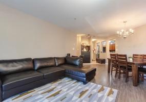 8060 JONES,Richmond,BC,Canada V6Y 4K5,3 Bedrooms Bedrooms,2 BathroomsBathrooms,Residential attached,JONES,R2297158