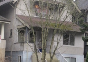 2210 Macdonald Street,BC,Canada,3 Bedrooms Bedrooms,1 BathroomBathrooms,Multi-Unit House,1453