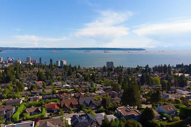 2259 Nelson Ave,West Vancouver,British Columbia,BC,Canada,6 Bedrooms Bedrooms,4 BathroomsBathrooms,Single Family House,2259 Nelson Ave,3,1477